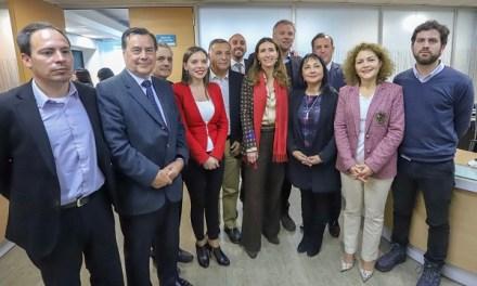 Ministra Schmidt se reúne con autoridades de la región de Valparaíso para tratar temas ambientales