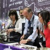 Ministro y subsecretarios prepararon el plato de Chile