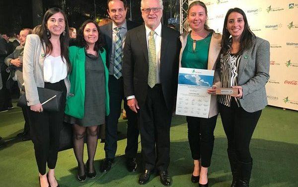 Unilever recibió el premio nacional de Medio Ambiente por los detergentes más sustentables de Chile