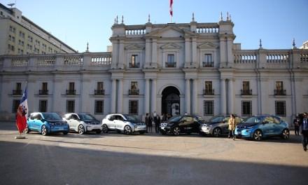 Presidente Sebastián Piñera presenta flota de autos eléctricos para uso del Gobierno