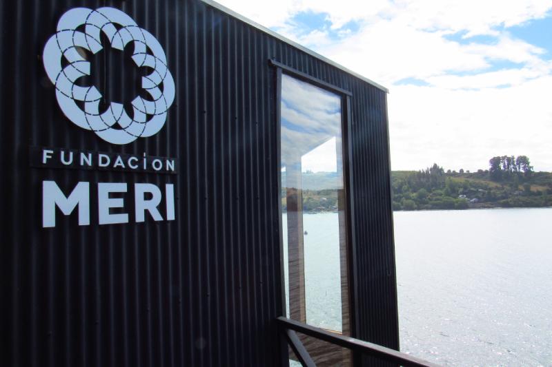 Fundación MERI se despliega en Chiloé, inaugurando nuevas oficinas en emblemático palafito de Castro