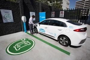 Duoc UC lanza Diplomado en Electromovilidad con profesores de Reborn Electric