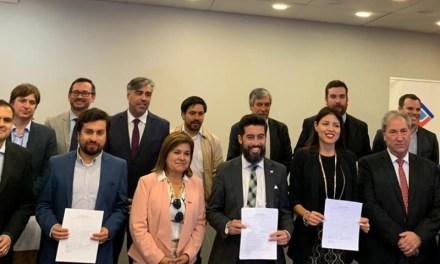 CCU firma acuerdo de Producción Limpia en Antofagasta