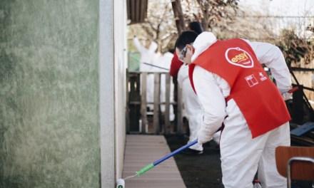 Más de 100 personas se reunieron para remodelar condominio de adultos mayores en La Pintana