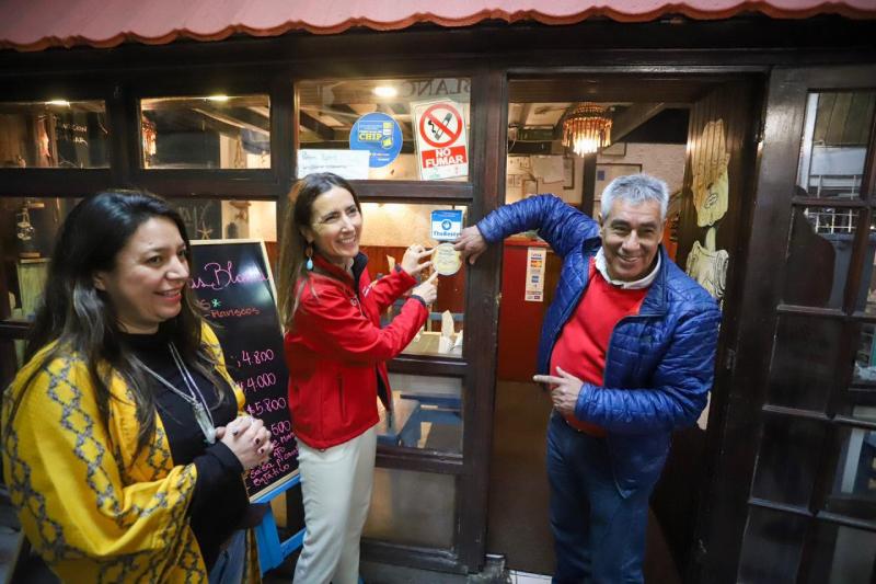 Ministra Schmidt hace positivo balance de Chao Bombillas en aniversario de la campaña
