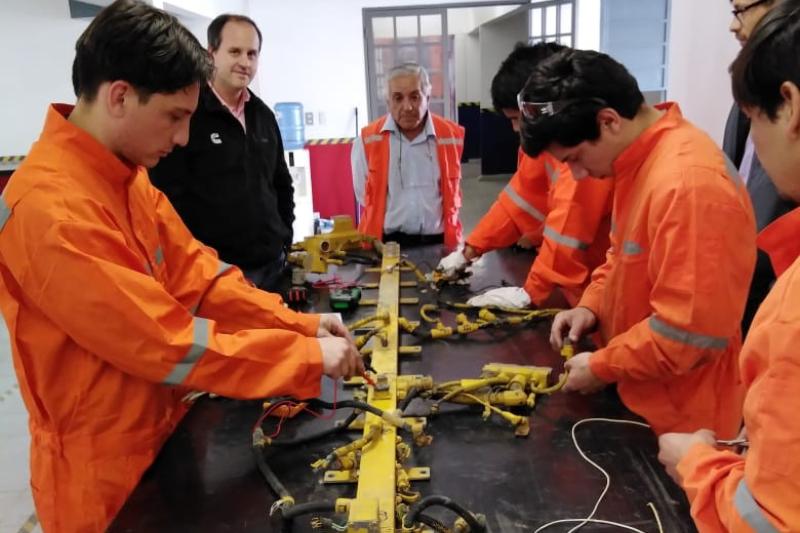 Jóvenes que infringieron la ley se certifican en estudios técnicos en Centro Metropolitano Norte Tiltil