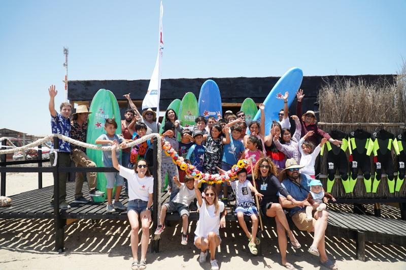 Nueva escuela de surf de Desafío Levantemos Chile beneficiará a la comunidad de Punta de Choros