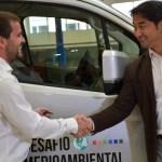 Toyota entrega vehículo modelo Hiace a Rembre para la recolección de residuos