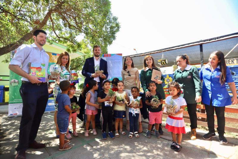JUNJI y Ministerio del Medio Ambiente firman convenio de colaboración para extender educación ambiental a toda la red de jardines infantiles de Chile