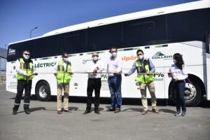 Collahuasi pone en marcha primeros buses eléctricos en Tarapacá