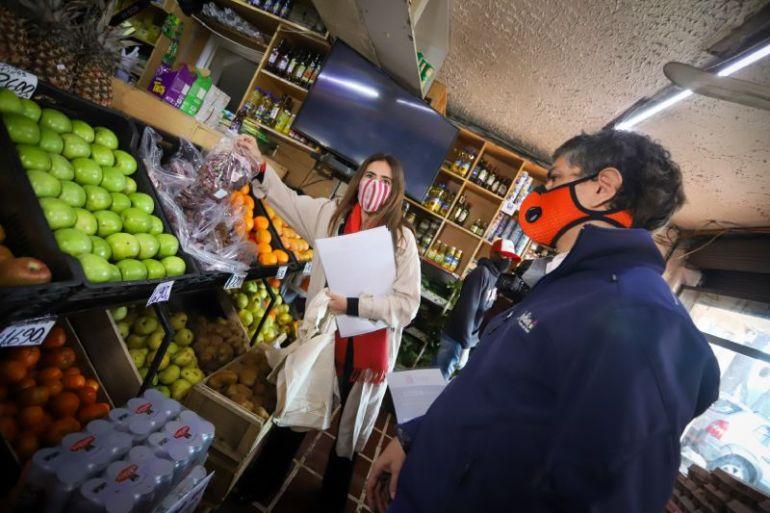 Ministra Schmidt detalla que 5.000 millones de bolsas plásticas dejaron de entregarse por la ley que las prohíbe