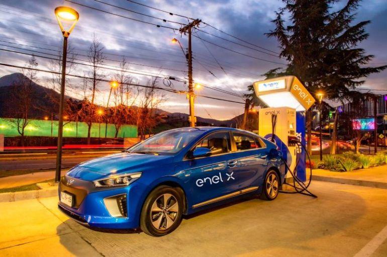 Enel X y Enex instalan puntos de carga rápida en estaciones de servicios Shell