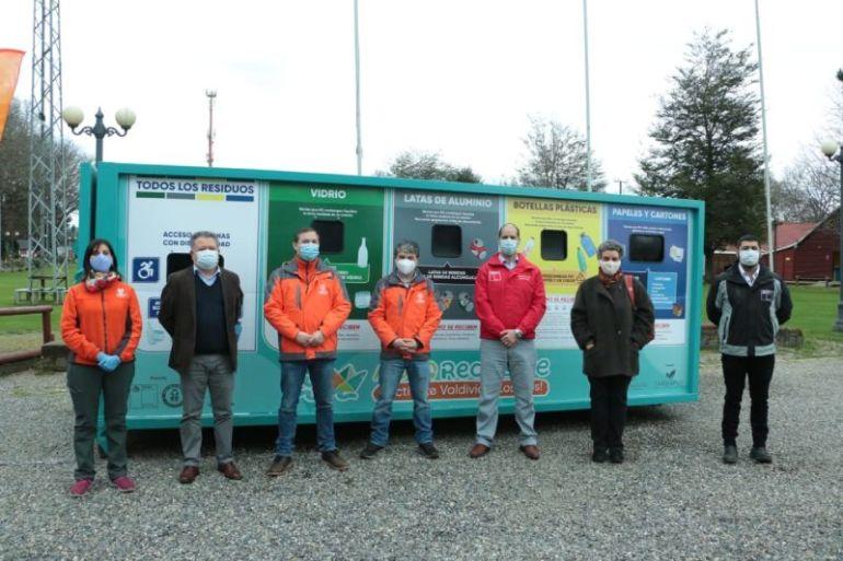 Municipalidad de Valdivia inauguró puntos de reciclajes móviles y trabaja en estrategia educativa para la comunidad