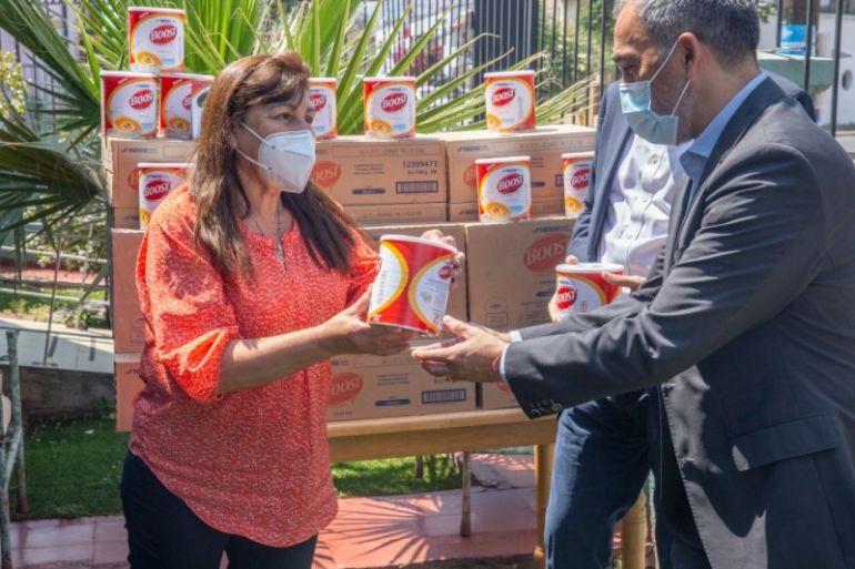 SENAMA recibe donación de alimentos de Nestlé Chile en beneficio de adultos mayores