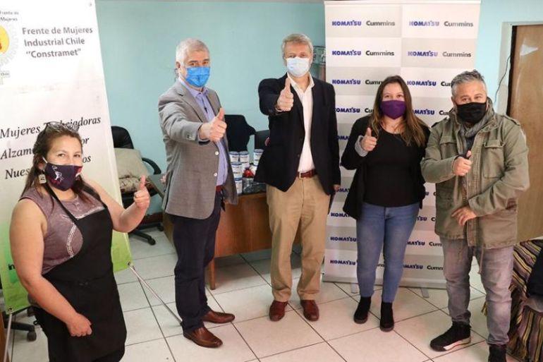 Colaboradores de Komatsu Cummins donan 20 mil almuerzos y compañía se suma, aportando mascarillas, vestuario y vacunas