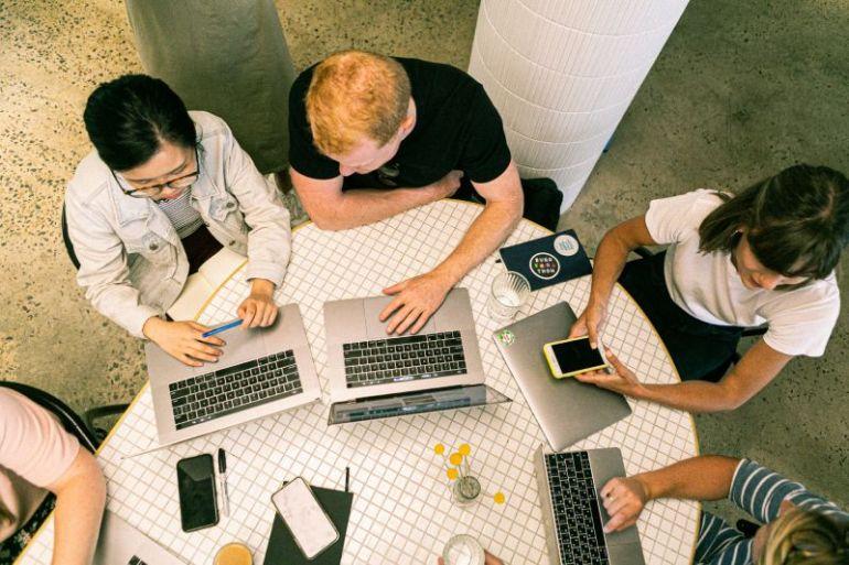 Consejos para liderar un equipo de trabajo mixto: remoto y presencial