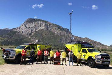 Chilenos crean vehículo satelital todoterreno con tecnología de punta y energías renovables para coordinar combate de incendios