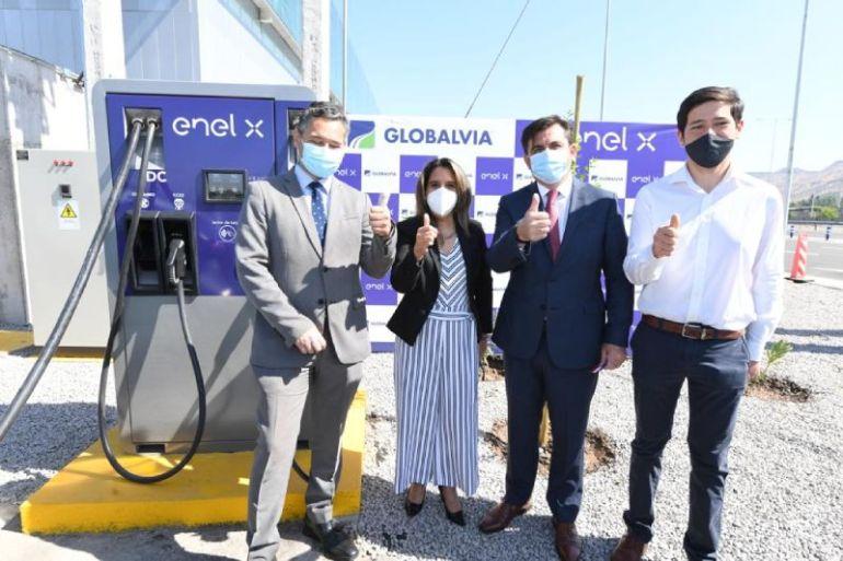 Enel X y Globalvia inauguran primer cargador eléctrico de la Ruta 5 Norte que une Santiago y Los Vilos