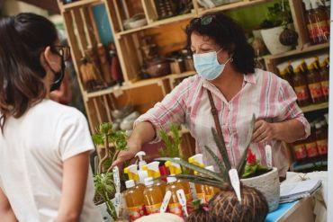 Emprendedores de Providencia se instalan en la feria CostaneraPro con productos sustentables