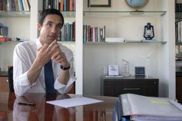 """Ministro de Energía, Juan Carlos Jobet:"""" Al 2050 el hidrógeno verde será la fuente del 20% de la energía del mundo""""."""