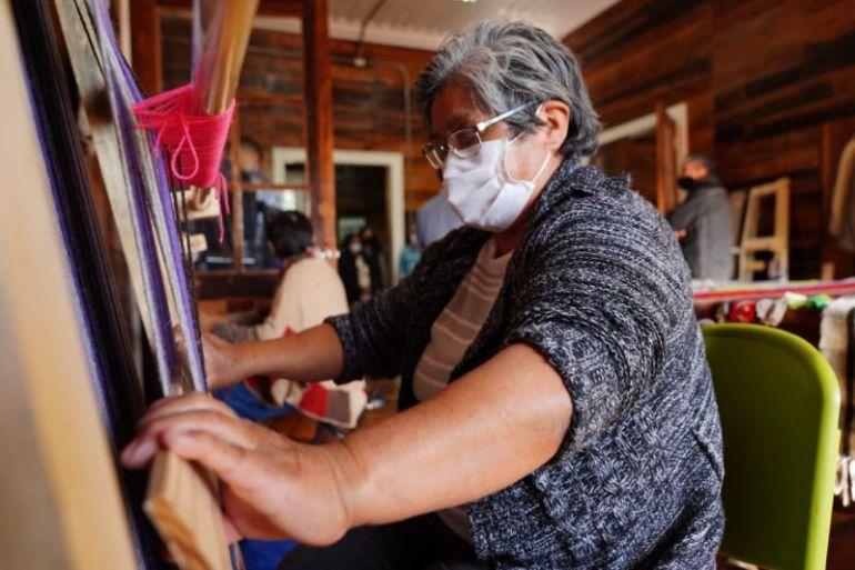 INDAP celebró Día del Artesano y la Artesana 2021 junto a hilanderas mapuche de Río Negro