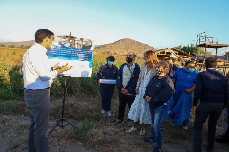 Entregan terreno para desarrollar el primer centro de acopio de recicladores de base del país