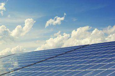 Budweiser compensará con energía 100% renovable de Enel el equivalente a la producción de cerveza del Día de la Tierra