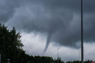 Nueva investigación explica las causas de los tornados del 2019 en Chile