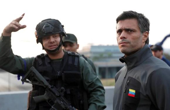 Leopoldo López y su familia dejan la embajada de Chile y se trasladan a la de España