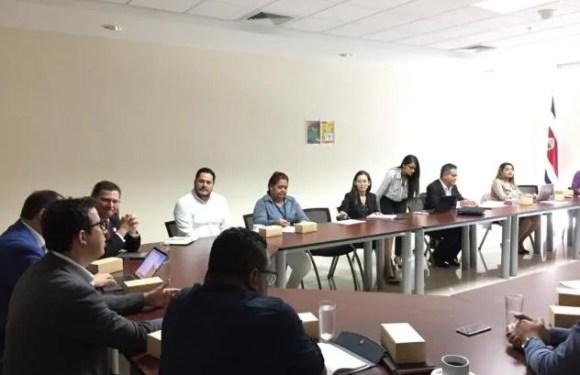 Gobierno acelera procesos en municipalidades de Limón para cumplir estrategia territorial