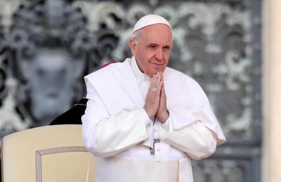 """Papa Francisco: """"No hay democracia con hambre, ni desarrollo con pobreza"""""""
