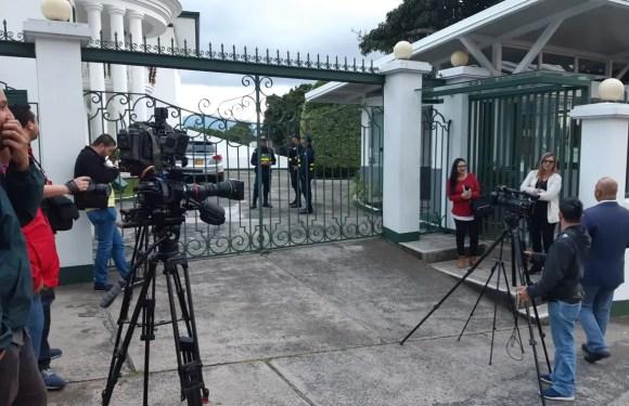 Gobierno bloquea reunión de sindicatos con Bachelet
