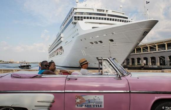 Cuba reabre al turismo internacional en julio con restricciones