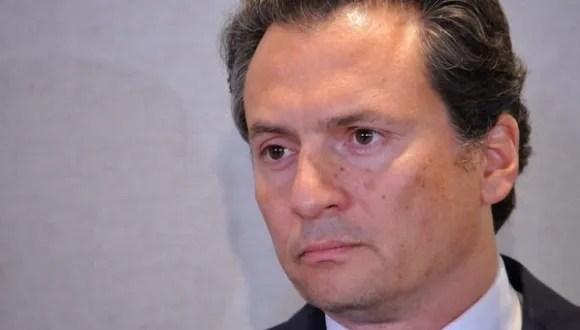 Exdirector de petrolera estatal mexicana clama inocencia en audiencia por corrupción