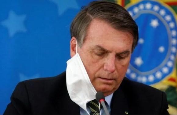 Bolsonaro veta la obligatoriedad del uso de la mascarilla en lugares cerrados en Brasil