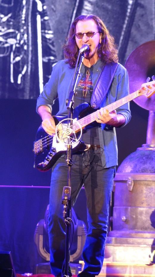 Rush @ Sheffield Arena - Geddy Lee