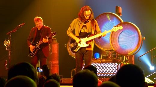 Rush @ Sheffield Arena - Geddy and Alex