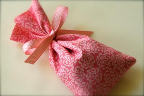 Lavender Sachet tutorial - Handmade Gift ideas