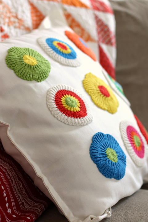 Easy-DIY-Ikea-pillow-cover-hack