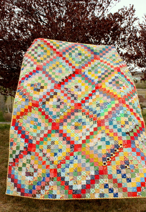 full-scrappy-trip-along-quilt-pic