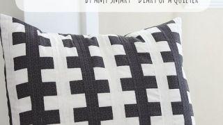 "Black and White ""Zipper Teeth"" pillow tutorial"