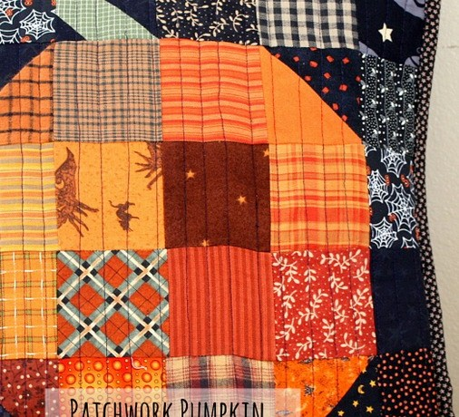 halloween pumpkin patchwork pillow-001