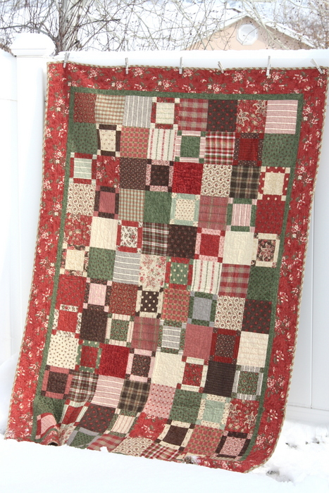 Mistletoe Manor Moda quilt