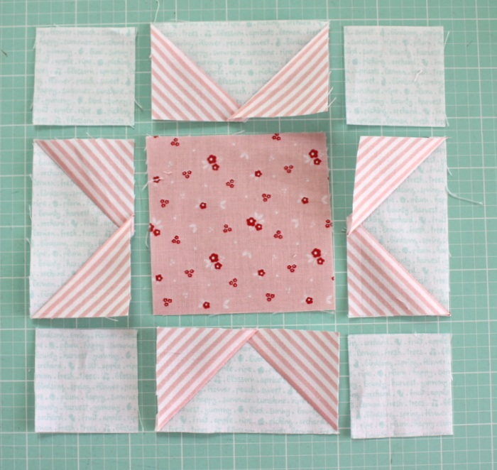 Fast Flying Geese + Sawtooth Star Quilt Block Tutorial featured by top US quilting blog, Diary of a Quilter: Layout Sawtooth Star