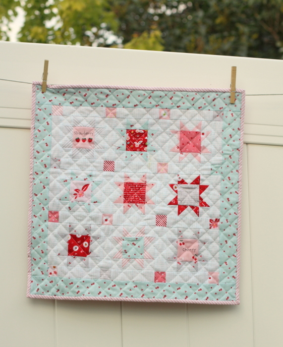 Fast Flying Geese + Sawtooth Star Quilt Block Tutorial featured by top US quilting blog, Diary of a Quilter: Sweet Orchard Star mini quilt-001