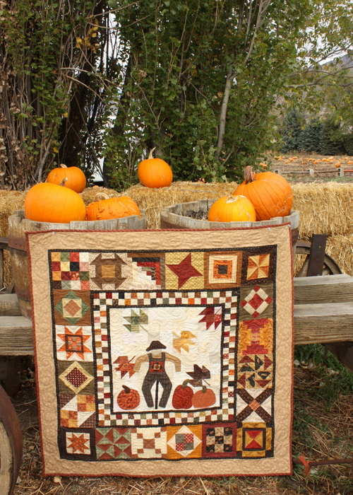 fall-quilt-with-pumpkins