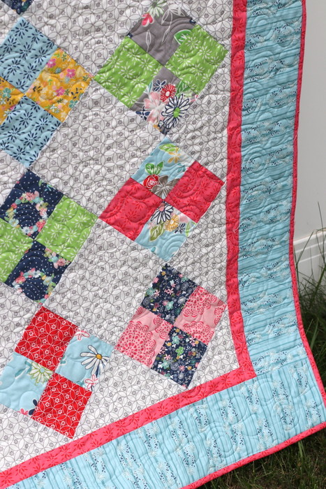 Daisy Days Farmhouse Quilt - free tutorial from Amy Smart