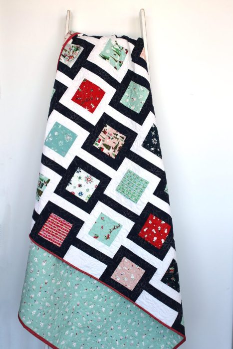 Favorite Christmas Quilts featured by top US quilting blog, Diary of a Quilter: Amy Smart modern quilt pattern Chain Link