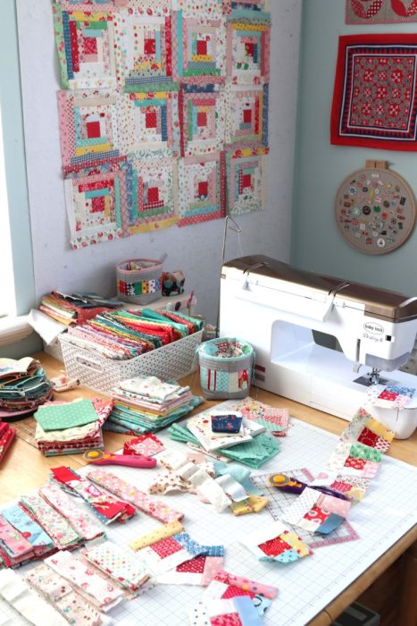 Diary of a Quilter - making log cabin quilt blocks