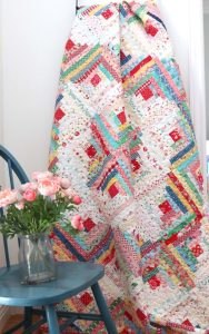 Vintage-inspired Log Cabin Quilt